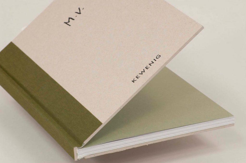 Libro con acabados especiales