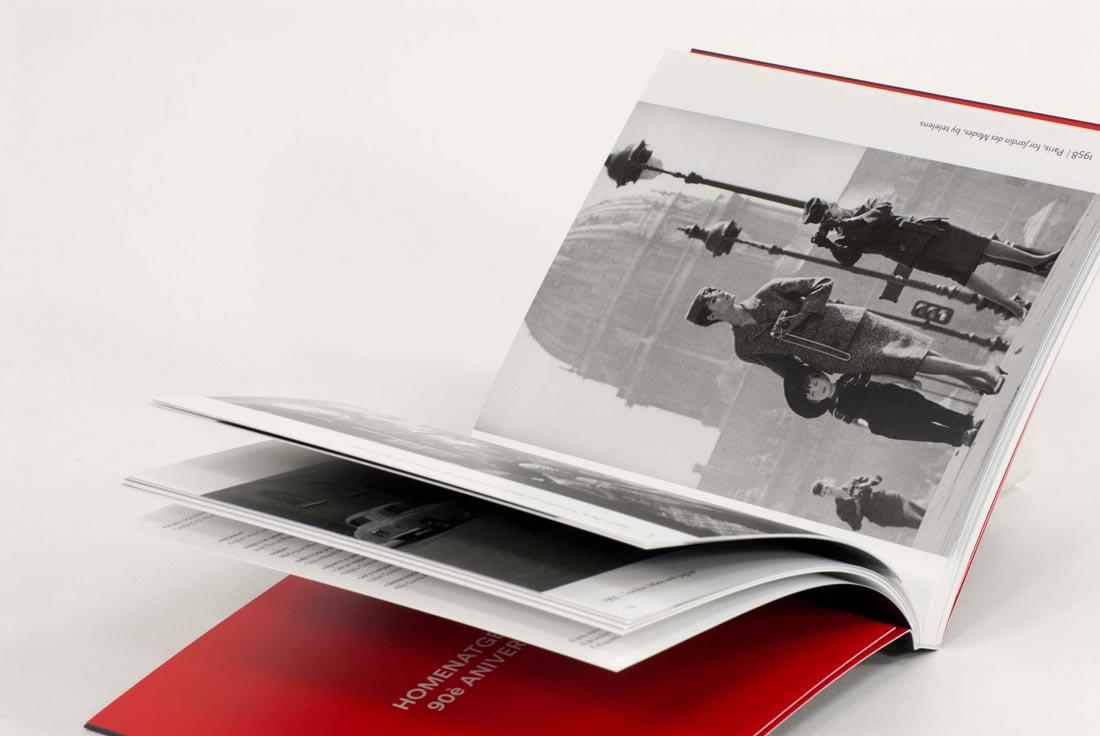 libro de arte abierto impreso con tintas ecológicas