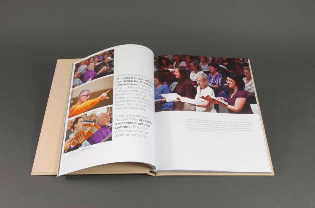 Livre de haute qualité ouvert produit chez CeGe Global