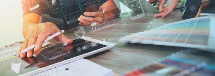 comercial amb plataforma de sales enablement a tablet